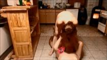KissMaria hat ihrem Besuch ins Gesicht gepisst