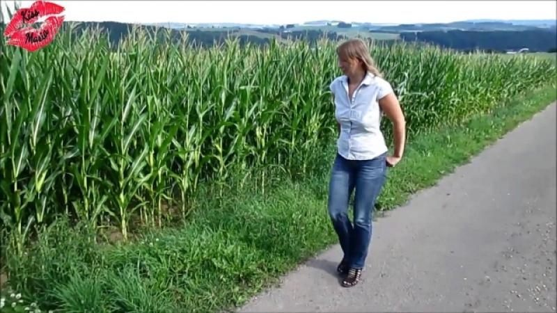 KissMaria´s Geilster Spaziergang am Maisfeld