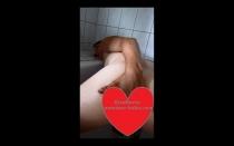 KissMaria geht versaut und geil Duschen